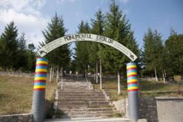 Monumentul si Cimitirul Eroilor