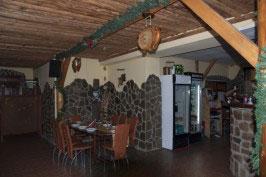 Restaurant clasic Hanul de Piatra
